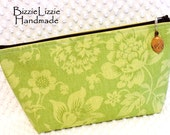 Extra Large Toiletry Pouch Large Zipper Pouch  Organizer Pouch Flat Bottom Make Up Bag Cosmetic Pouch Overnight Pouch Green Fabric Pouch