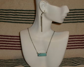 Howlite necklace and earring set