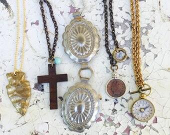 Vintage Necklace lot- 5 pc Destash! 70s conchos, cross, arrowhead, compass, Indian head penny  haute jewelry fashion mix Zz