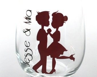Pair of Personalized Bride and Groom Wine Glasses (2) - Wedding gift - Bridal Shower gift - Engagement Gift - Couples Gift - His and Hers