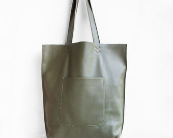 SALE Leather Arrow Tote in Military Green / Leather Tote Bag  / Green Tote Bag/ Leather Handbag /Green Leather Tote / Green Leather Handbag