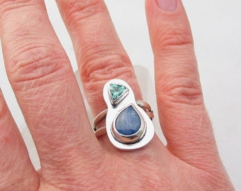 15% OFF Kyanite Ring, Silver Gemstone Ring, Green Apatite, Sterling Silver Ring, Contemporary Jewelry, Handmade