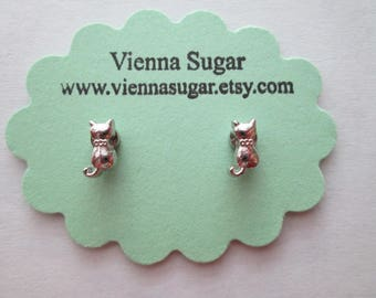 Silver Kitty Cat with Collar No Pierce Magnetic Clip On Earrings