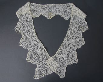 Antique Victorian older bobbin lace collar