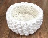 Cat Bed - Chunky Knit Cat Bed, Crochet cat bed or small dog bed - Off-White Pet Bed