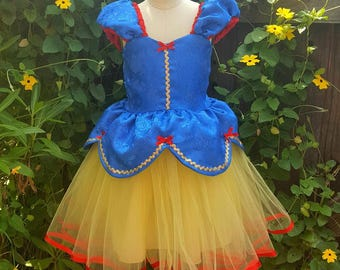 SNOW WHITE dress, Snow White costume dress, girls princess dress, Snow White tutu, Snow White birthday party outfit, bippity boppity boo