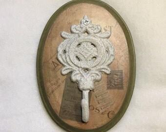 Farmhouse Cast Iron Medallion Hook