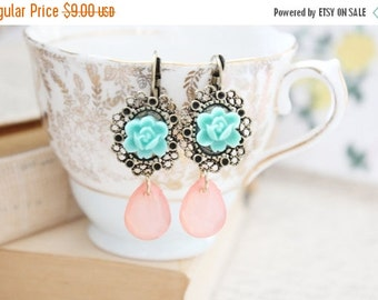 Sale flower and crystal earrings.
