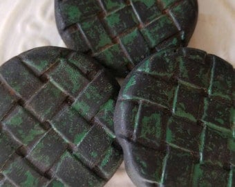 Vintage Buttons - Lot 3 matching  novelty, 50's Retro,black with green wash Composite  (feb 151 17)
