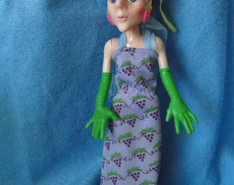 Vintage Sour Grapes doll villainess from Strawberry Shortcake American greetings 1982