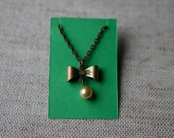 Blythe Doll Necklace - Brass Bow with Golden Pearl