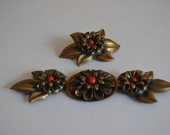 Vintage Articulated Buckle Set. Floral Motif Dahlia. Copper Tone and Red dimensional flower. Wide. 60s 70s