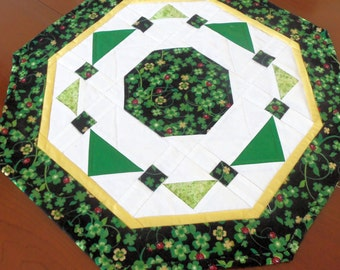 St Patrck's Day Table Topper, Shamrocks, Ladybugs,Octagon Table Topper, St Patrick's Day Table Decor, Green and White Table Quilt, Handmade