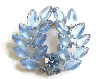 Juliana Style Wreath Brooch Shades of Blue Rhinestones Vintage