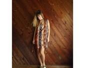 extra 30% off sale . . . 90s FLORAL Striped Sleeveless Mini Shift Dress - M/L Petite