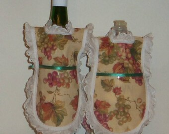 Wine Bottle Apron, Green Grapes, Dish Soap, Detergent Cover, Eyelet Lace, Kitchen Decor