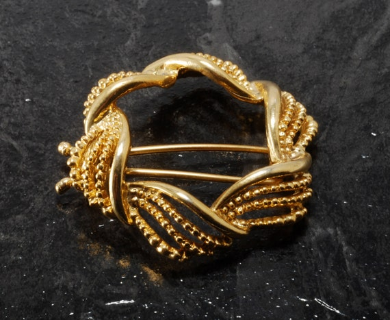 Vintage Hair Barrette Gold Metal Round Wreath STyle CLip Hair Accessorie