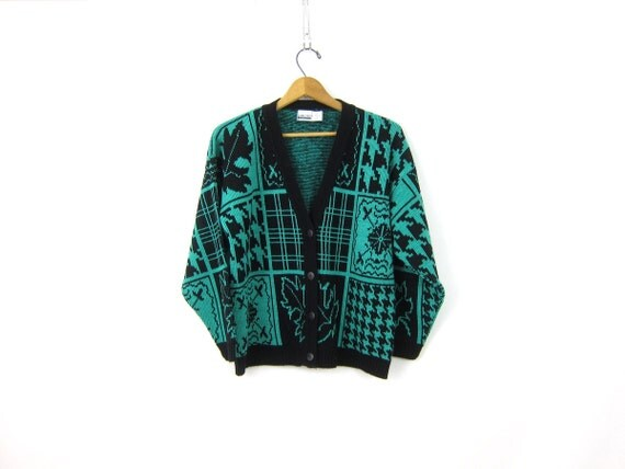 Vintage Green and Black Snowflake sweater novelty 1980s Ice Skating Cardigan Hipster sweater Women's Medium