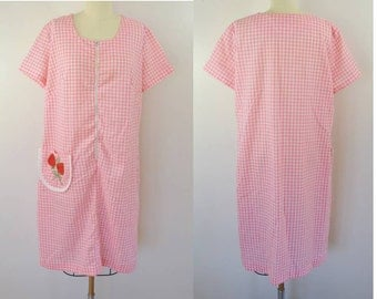 last chance Vintage PINK GINGHAM Day Dress with Strawberries on the Pocket Size L or XL