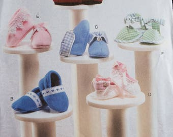 Vogue 7707 Baby booties by Linda Carr  (uncut)