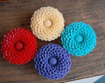 1 inch (25mm) Chrysanthemum Flower Plugs-for stretched ears. Choose your color. Purple, red, peach, teal. Flower hidden acrylic gauges