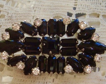 Beautiful vintage, Jet Black Glass and Rhinestone, brooch