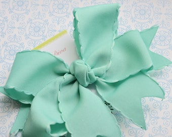 Aqua With Scalloped Edge XL Diva Bow