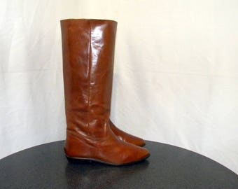 9West Sz 7.5m Vintage tall brown leather 1980s women flat riding boots.