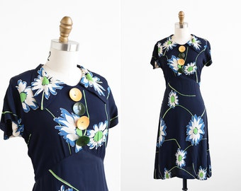 vintage 1930s dress / 30s dress / Big Buttons and Daisies Day Dress
