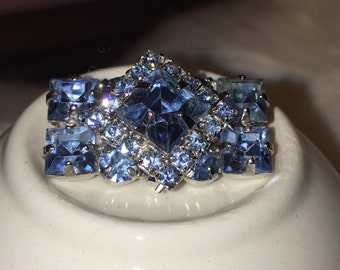 Vintage small blue rhinestone brooch