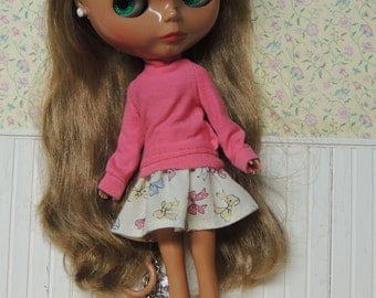 Pink sweater, cute bow skirt Outfit Separates for Blythe