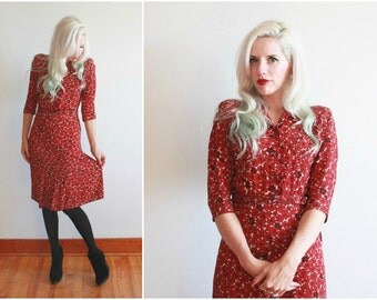1940s dress / 1940s rayon printed dress / black and red floral 40s day dress / size m