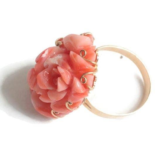 Carved Coral Rose Flower Ring 14K Gold Size 7 3/4