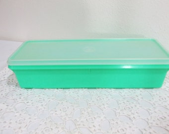 Tupperware Celery Container Thin Stor Jadite Green