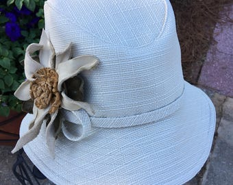 Fedora Widebrim in Cream Linen Outdoor