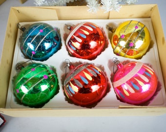 6 Large Czechoslovakian Vintage Glass Christmas Tree Ornaments Balls