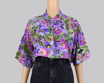 Vintage 80s 90s Floral Cropped Shirt | Boho Grunge Crop Top | Collared Button Up Short Sleeve Oversize Blouse | Purple Green | size S M
