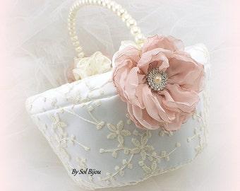 Flower Girl Basket, Ivory, Rose, Blush, Wedding Basket,Round Basket, Lace Girl Basket, Vintage Wedding, Pearl Handle Basket, Elegant, Gatsby