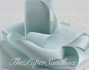 """Bleu ruban de soie, 1,25"""" de large par l'yard, soie teints à la main, bleu garniture de soie, soie bleu clair, quelque chose de bleu, Bouquets, couture, mariage"""