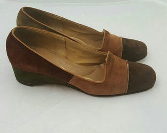 Vintage 1960s Brown Green Earth Tone Colorblock  Suede Mod Wedge Librarian Loafers 6N