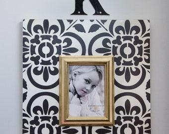 Black and White Sevilla