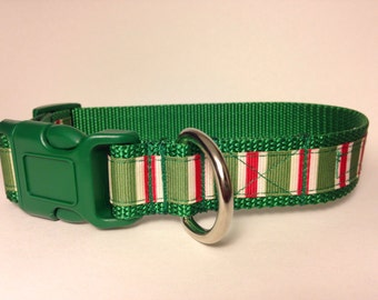 MEDIUM red candy stripes Holiday dog collar