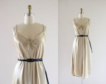 liquid gold belted dress / xl
