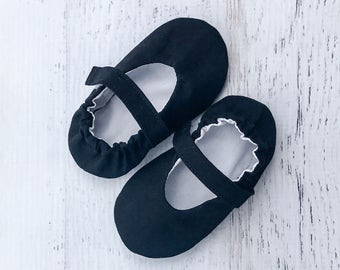 Black Mary Jane baby shoes - baby shoes - mary jane shoes - baby girl shoes - girls shoes - crib shoes - mary jane crib shoes - baby shower
