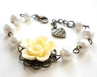 Flower Girl Gift Ivory Bracelet Pearl and Flower Bracelet Girls Wedding Jewelry Flower Girl Bracelet Romantic Jewelry Children Bracelet