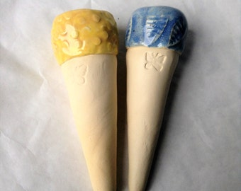 Butterfly Puddler Spike -set of 2, butterfly feeder - yellow and light blue