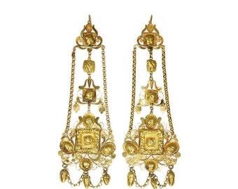30% Off Winter Sale Rare 14K yellow gold filigree chandelier earrings Pre-Victorian era lotus acorns
