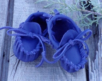 Purple leather baby moccasins, ready to ship , newborn baby moccasins , soft baby shoes , childrens moccasins , infant moccasins , baby gift