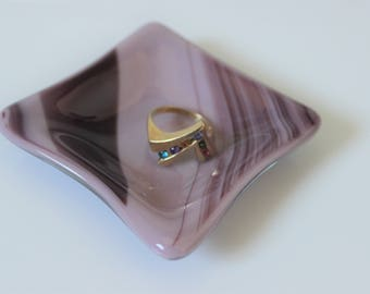 GLASS RING DISH Purple Fused Glass, Wedding Ring Dish Gift for Her, Under 10 Gift, Tea Bag Holder, Air Plant Dish Glass Dish, Spindle Dish