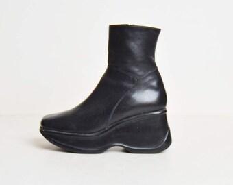 Vintage 90s Platform Boots / 1990s Steve Madden Black Leather 7.5